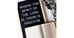 [ROCK GIFTS AND BOOK CENTRE] Soak in His Word today!