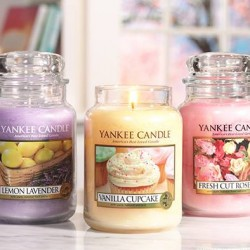 Buy 4 and get 1 free promotion @ Yankee Candle
