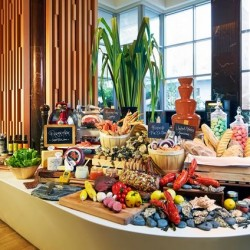 Pan Pacific Orchard: Buffet Lunch and Dinner Promotion --- 1 dines free with every 3 paying adults