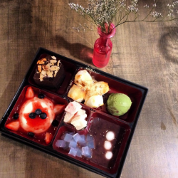 Dolce Tokyo: Mix and match FIVE different desserts at only $18.90.