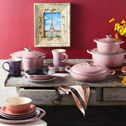 Le Creuset: Spring @ TakashimayaLe Creuset Mauve Pink is now available at Takashimaya ---  40% discount until 30 March