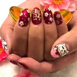 [NAILZ TREATS] 12 more days counting down to CNY! Bring some luck with this cute lucky cat. ☏ us for an appointment.#nailart #