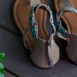 [Leeden Classic] Minnetonka Antigua sandals Ideal for sundress or shorts with these Turquoise beaded sandals