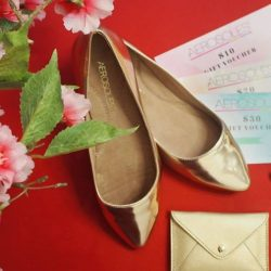 [Aerosoles] Just three more days till Lunar New Year! Have you gotten a pair of shoes to match your outfit? Head