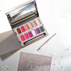 [Urban Decay Cosmetics Singapore] Our version of a painter's palette 💄🎨 Get your Vice Lipstick Palette exclusively at $38* (U.P. $68) with $88
