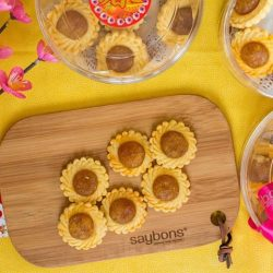 [SAYBONS - by French Food Factory] Looking for traditional flower shaped (because they taste better than pillow-shaped ones) pineapple tarts that are fragrant #buttery with