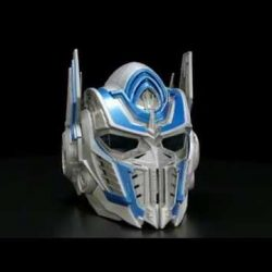 [Babies'R'Us] Calling all Transformers fans.This Optimus Prime Voicechanger First Edition helmet is the debut collectible for Transformers: The Last Knight