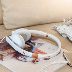 [Stereo] Make a style statement with the Sennheiser HD 2.30. With a timeless look and elegant design, these robust yet
