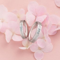 [CITIGEMS] Wedding bands are a universal expression of love, a symbol of an everlasting union of two hearts and a romantic