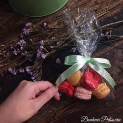 [Bonheur Patisserie] Valentine's Day Special! Valentine's Day themed mini macarons at $7.50 per bag on sale on 8th February
