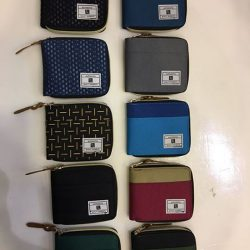 [Bagzx] Discover the latest trend of men's & women's wallet in our store. Choose from black wallets to brown wallet.