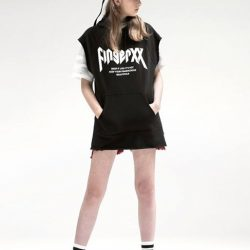 [Chocoolate --- i.t Labels Singapore] Channel those skater vibes with Fingercroxx.