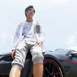 [Bossini Singapore] Ben is a car enthusiast.