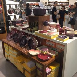 [Le Creuset] Major renovations at our Tangs VivoCity retail counter is well on its way (we are turning pink with excitement to