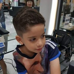 [Lacoco Hair Salon] To deal with customer's hair The stylist must have ; Passion Work as an artist Profesionallism Amazingly forcus Perfection He