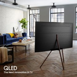 [Samsung Singapore] Designed with minimalism in mind, the Samsung QLED TV comes with a TV stand that accentuates its unique look.