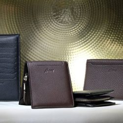 [Uomo Collezioni] Celebrate Father's Day with @brioni_singapore Enjoy 20% OFF Brioni Small Leather Goods and receive a free 30ml Brioni Perfume