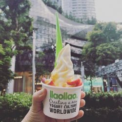 [llaollao Singapore] Beat the heat with a cup of llaollao today!