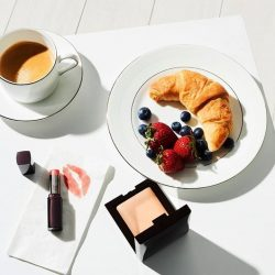 [Laura Mercier] A hearty breakfast together with a fuss-free, fresh makeup look gets us ready to enjoy the Labour Day break