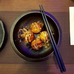 [ISURAMUYA JAPANESE RESTAURANT & MARKET PLACE] Light and fluffy, our takoyaki balls are drizzled with takoyaki sauce, mayonnaise and topped with bonito flakes, with chewy octopus