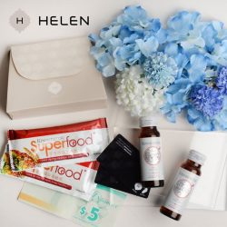 [Helen Accessories] To celebrate this special occasion, we are giving away 10 mothers day special gift set to 10 lucky winners!