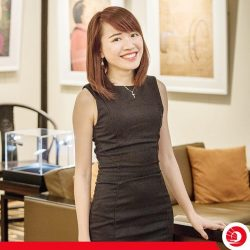 [OCBC ATM] Meet Alyssa, a Personal Financial Consultant at our Sixth Avenue branch by day, and a bookworm by night.