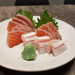 [The Sushi Bar Dining] Last week for Salmon Sashimi buy 2 get 1 free!