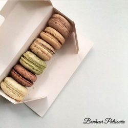[Bonheur Patisserie] 1 for 1 macarons for a box of 6 using Snatch!
