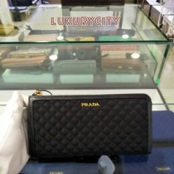 [Luxury City] BrandNew pradasg wallet☎️ :+6567020082 WhatsApp :+6581814221 Follow us on FB:www.