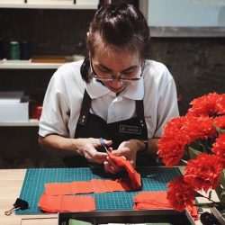 [Bynd Artisan] Symbolising admiration, red carnations are traditionally gifted to mums on Mother's Day as a thankful gesture for having painstakingly