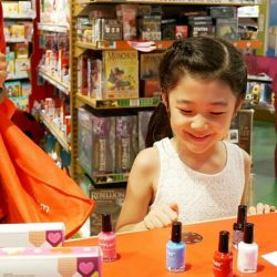 [Hamleys of London] Head over to Hamleys for a LUVLEY time with nailtastic art stamping kits!