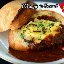 "[Magosaburo] Simple but YUMMY - Must Try item❤❤ ""Wagyu in Bread""."