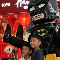 [Hamleys of London] The celebrity, and everyone's favourite super hero, Batman greets his little fans at Hamleys Anniversary Sale.