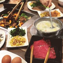 [Seoul Garden Singapore] Treat yourselves to a delightful 2-in-1 steamboat and grill dining experience at the Seoul Garden branch nearest you!