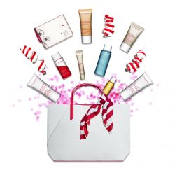 [Clarins] Online exclusive: enjoy a FREE 9-pc gift in celebration of 9th August!
