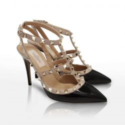 [Reebonz] GAME ON: Are you able to guess the brand of this stunning heels?