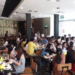 [Seoul Garden Singapore] Follow the crowd and don't miss out on all the free-flowing goodness here at Seoul Garden!