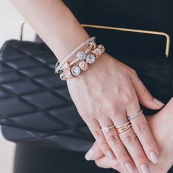 [Pandora Singapore] Are you a fan of glam or do you go for a statement piece to pull your look together?
