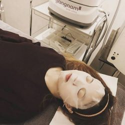 [GANGNAM LASER CLINIC] Enjoy a hydrating power mask enriched with antioxidants and brightening effects after your laser session.