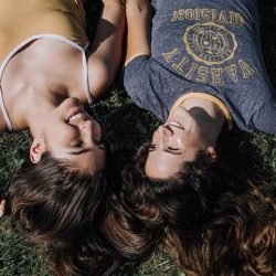 [Aeropostale] best friend goals.