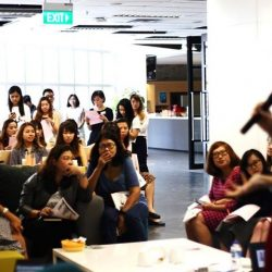[Clarins] We had a wonderful morning yesterday at our media partner's office!