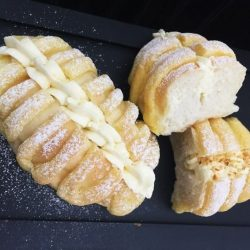 [ToTT Store] Join Amy Ho in this demonstration session as she teaches how to make Chantilly Cream Puff Bread using the revolutionary