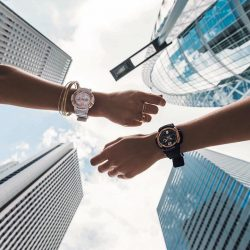 [H2 Hub] This perfect monochromatic pair of BABY-G watches features alluring rose-gold rims, bringing out the classy chic in you.