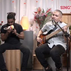 [Singtel] Tonight on Singtel Music Live, we bring you Tim De Cotta, a multi-talented singer-songwriter/musician, whose music is