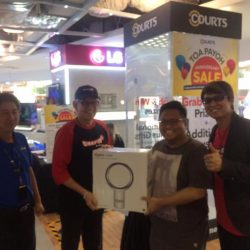 """[Courts] Congratulations for winning the Electrolux Handstick Vacuum Cleaner & Philips 32"""" TV from the Grab & win Machine !"""