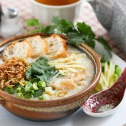 [THE SEAFOOD MARKET PLACE BY SONG FISH] Fish CongeeCongee or rice porridge is always a heart warming dish that fills up our tummies well.