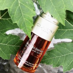 [Clarins] With [20+1] plant ingredients, you can trust that NEW Double Serum is perfected to deliver only the most powerful