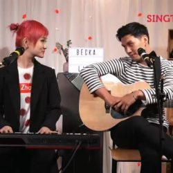 [Singtel] Tonight on Singtel Music Live, we bring you Becka, an amazingly talented singer-songwriter whose upbeat and catchy blend of