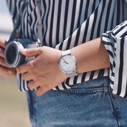 [H2 Hub] This Bering timepiece embraces modern fashion with purity, featuring an excellent blend of monochromatic colours.