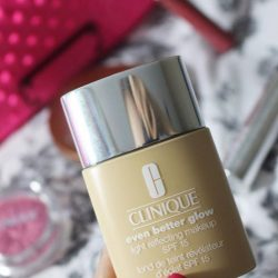 [Clinique] A must-have for every glow getter - the Even Better Glow Light Reflecting Makeup SPF15/PA++!